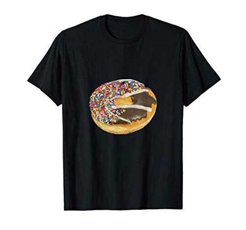 チョコレートとバニラのアイシングとカラースプリンクルのドーナツ Tシャツ