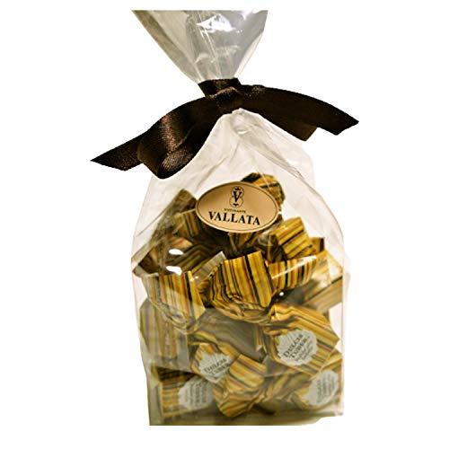 イタリア・アルバのトリュフとヘーゼルナッツ入りプラリネホワイトチョコレート(15個入り)