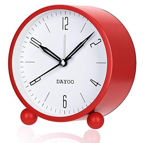 DAYOO Wecker, 4-Inch Rund-Wecker Nicht Ticken, Batteriebetrieb und Light-Funktion, Super-Stille Wecker, Simple Stylish Design für Schreibtisch/Schlafzimmer (Red)