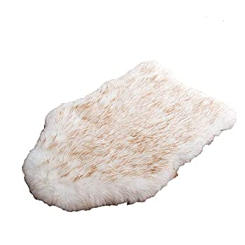 laamei Dog Bed Mat Orthopedic Dog Bed Deluxe Dog Crate Pad Ultra Soft Durable Self Warming Kennel Mattress for Dogs and Cats Premium Faux Sheepskin Rug Fur Throw Cover X-Large Cream