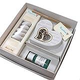 Regalami.shop, Bomboniera cuore con albero della vita in legno, cm 8x8, completa di scatola, confetti, essenza e nastro bianco