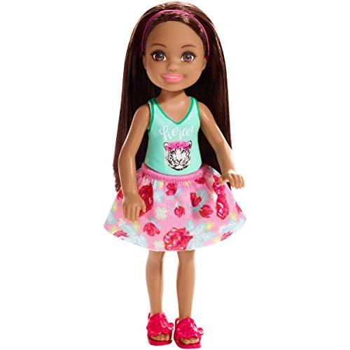 Barbie Chelsea e i Suoi Amici  Bambola Brunette con Maglietta Stampa Tigre, per Bambini 3+ Anni, FXG79