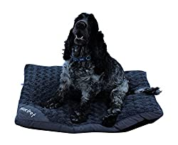 Machine Washable Two sizes available Super soft and comfortable 100% polyester shell, For pet use only