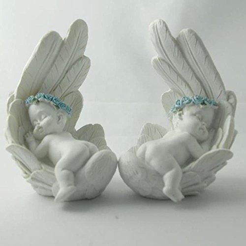 Trauer-Shop Kindergrab Baby Figuren auf Bauch in beschützender Engelsfeder, 2 Modelle, 2 Stück