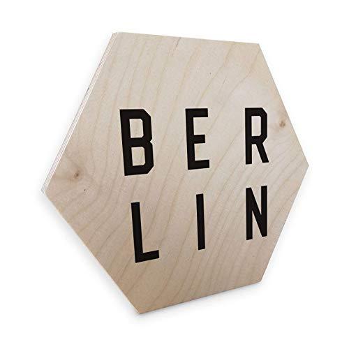 Hexagon - Holz Birke-Furnier - Typografie Berlin Wanddeko naturbelassenes Holz Hauptstadt Sechseck Buchstaben Metropole mit Wandhalterung Wall-Art -