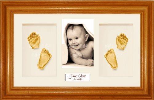Anika-Baby Kit de moulage pour bébé Cadre 4 ouvertures Pin miel Passe-partout crème/fond crème/peinture doré 36,8 x 21,6 cm