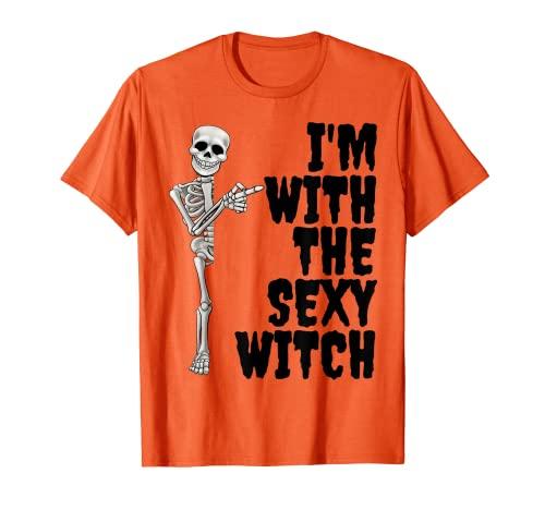 Disfraz de esqueleto de Halloween con las parejas de bruja sexy Camiseta