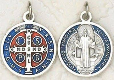 Medalla redonda de San Benito con crucifijo; 2 cm, azul y roja...