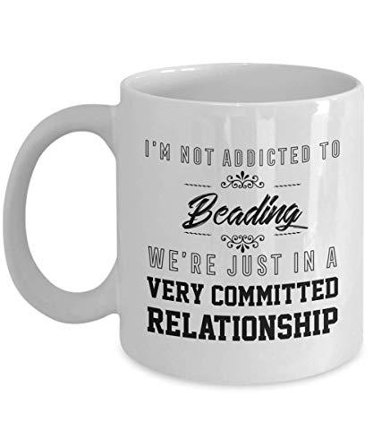 NA Taza de Abalorios - Estamos en una relación Muy comprometida - Taza de té y café de cerámica novedosa y Divertida Regalos geniales para Hombres o Mujeres con Caja de Regalo