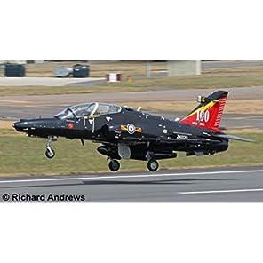 ドイツレベル 1/32 イギリス空軍 BAe ホーク T2 プラモデル 03852