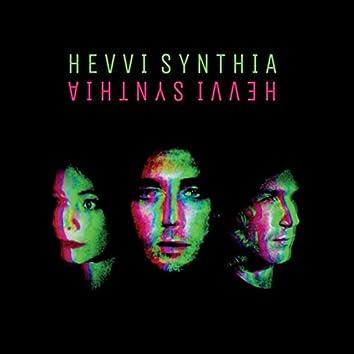 Hevvi Synthia