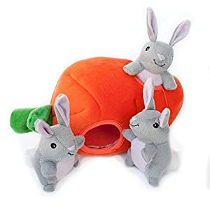 ZippyPaws – Farm Pals Burrow, Interactive Squeaky Hide and Seek Plush Dog Toy – Bunny 'n Carrot