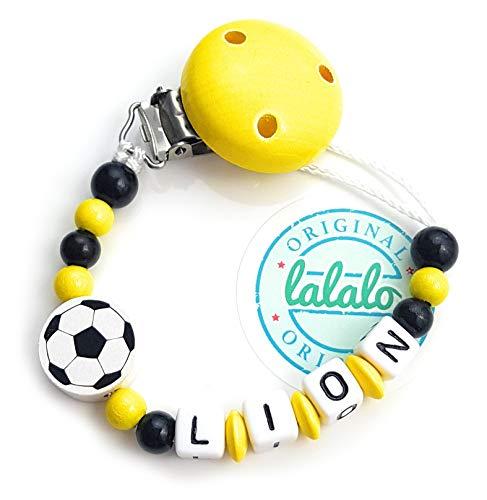 LALALO Schnullerkette Fußball mit Namen, Junge, Baby Fussball Motiv aus Holz, Handmade Individuelle Jungs Namenskette zur Geburt, Geburtstag, Weihnachten, Taufe (Gelb/Schwarz/Weiß)