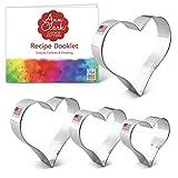 Ann Clark Cookie Cutters Juego de 4 cortadores de galletas corazón con libro de recetas - 6,6, 8,3, 9,2 y 10,8cm - Acero fabricado en EE.UU.