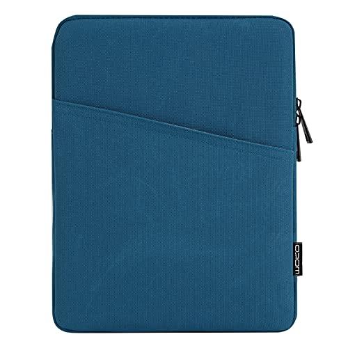 MoKo Funda Blanda Compatible con iPad Pro 11, iPad 8th 7th Generation 10.2, iPad Air 4 10.9, iPad Air 3 10.5,Protectora de Estilo Elegante Tejido de Poliéster con Bolsillos Inclinados, Pavo Real Azul