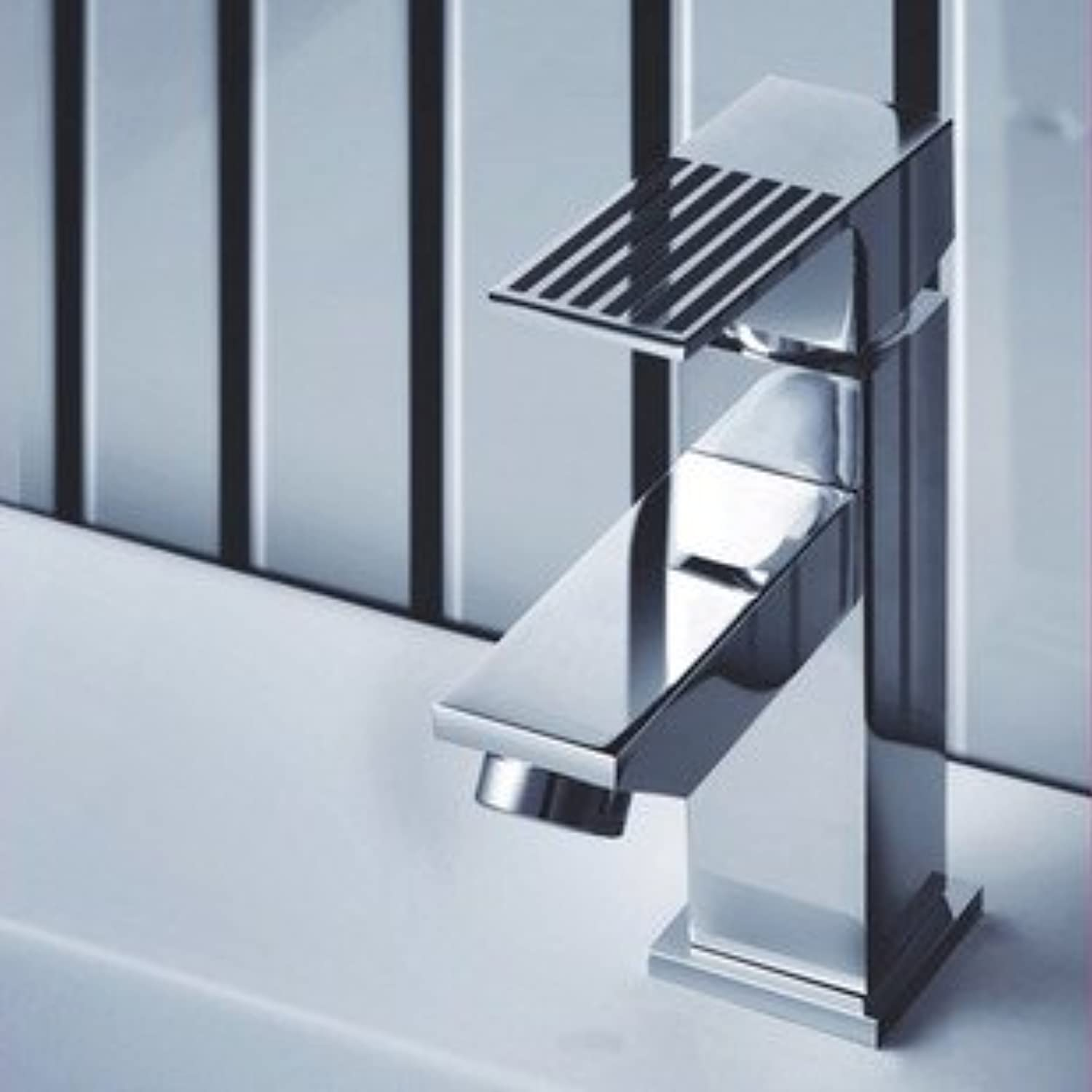 New Square Drawing Hot and Cold Single Hole Basin Faucet