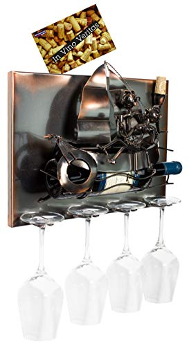 BRUBAKER Weinflaschenhalter Segelboot mit Liebespaar - Wall Art Bild Metall - mit 4 Glashaltern - inklusive Grußkarte für Weingeschenk