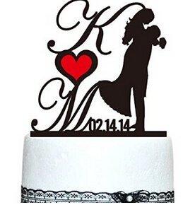 PeteGray Hochzeitstortenaufsatz, Vintage-Design, personalisierbar, Initialen und Datum und rotes Herz