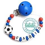 LALALO Schnullerkette Fußball mit Namen, Junge, Baby Fussball Motiv aus Holz, Handmade Individuelle Jungs Namenskette zur Geburt, Geburtstag, Weihnachten, Taufe (Blau/Rot/Weiß)