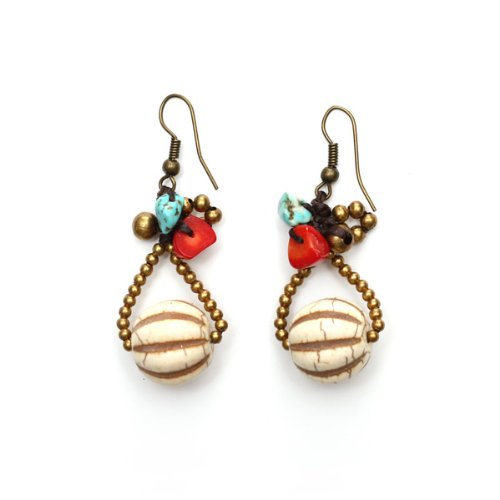 Pendientes hechos a mano Idin - redondo blanco piedra con turquesa y rojo coral hecho a mano de piedras pendientes de gota
