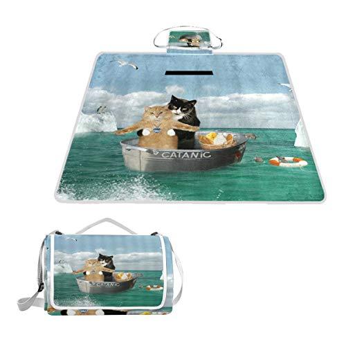 XINGAKA Couverture de Pique Nique,Funny Catanic Cats Titanic Cosplay Classic Romantic Pose Double Kitten in Green Ocean,Tapis Idéale pour Plage Jardin Parc Camping