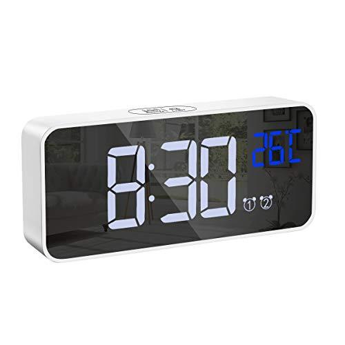 Brifit Digitale Wekker, Elektronische Klok met 13 Beltonen, Dual Alarm Snooze Klok met Temperatuur Weergave, Helderheid en Volume Instelbaar, Intelligente Spraakgestuurde USB Oplaadbare Klok