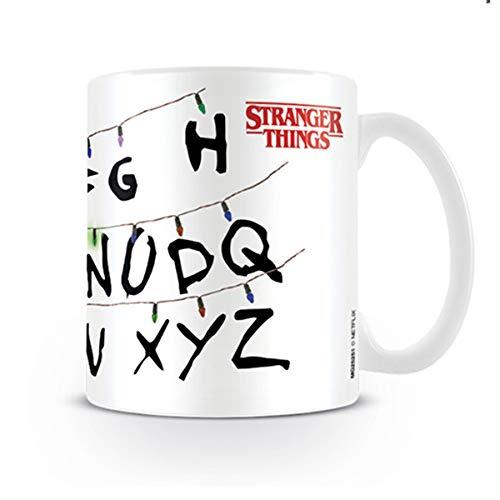 Stranger Things MG25251 - Taza de desayuno Lights, 320ml