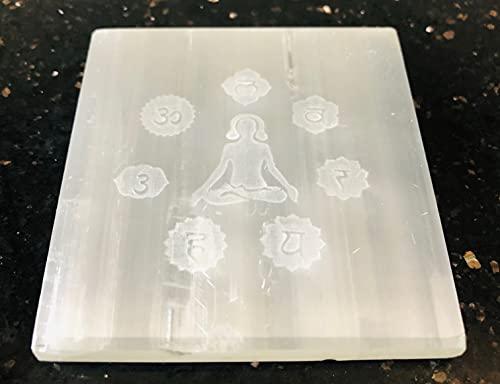 crystalmiracle Selenita 3'Buda Grabado Cuadrado Grabado Placa de Reiki de carga Curación de cristal FENG Shui Regalo de piedras preciosas Energía positiva Paz Meditación Bienestar