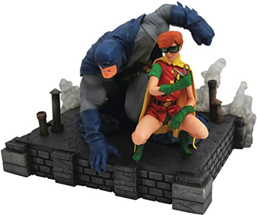 Dark Knight Returns Batman & Carrie PVC Figure