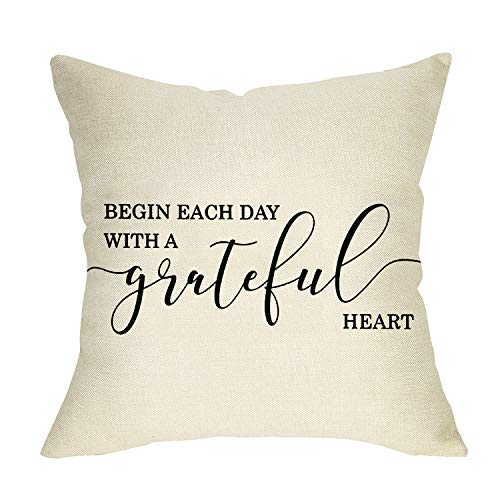 Softxpp Decorative Throw Pillow Cover Begin Each Day with a Grateful Heart Quotes, Rustic Farmhouse Cushion Case Thankful Decor Home Positive Decorations Square Pillowcase 18 x 18 Inch Cotton Linen