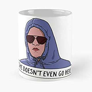 She Doesn't Even Go Here Classic Mug - The Funny Coffee Mugs For Halloween, Holiday, Christmas Party Decoration 11 Ounce White Jamestrond.