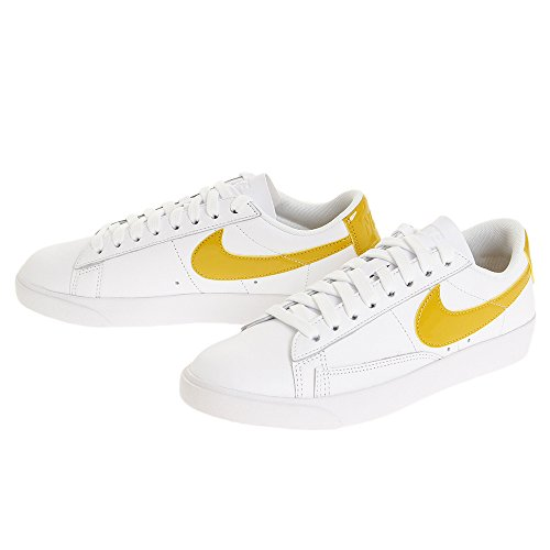 Nike W Blazer Low Le, Scarpe da fitness Donna, Multicolore (White/Mineral Yellow 108), 36 EU