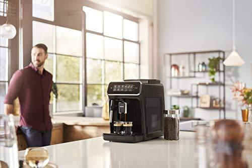 Philips Serie 2200 EP2220/10 Macchina da Caffè Automatica, 2 Bevande, con Macine in Ceramica, Filtro AquaClean, Pannarello Classico, 15 bar, 1500 W, 1.8 Litri, Nero Satinato