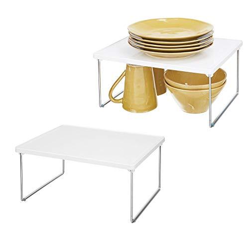 mDesign Juego de 2 plateros de Cocina – Práctico Soporte para Platos en plástico y Metal para Ampliar el Espacio de almacenaje – Estante Adicional Antideslizante y apilable – Blanco/Plateado