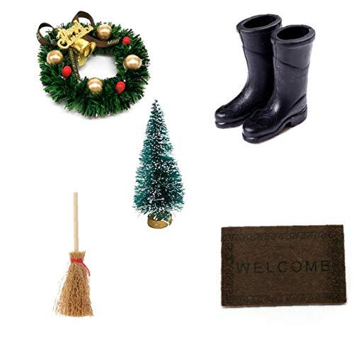Odoukey 5PCS Weihnachten Puppenhaus, Weihnachten Zubehör Kranz, Besen, Regen Stiefel, Hohe Cedar Weihnachtsbaum, Tür Plaque Weihnachten Home Dekoration für Kinder