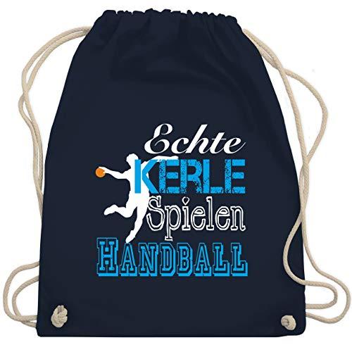 Shirtracer Handball - Echte Kerle Spielen Handball weiß - Unisize - Navy Blau - handball geschenk - WM110 - Turnbeutel und Stoffbeutel aus Baumwolle