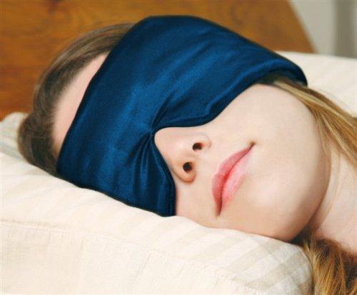 SleepMaster Le masque de sommeil breveté SLEEP MASTER TM. Il s'agit du lot de réduction de la lumière et du bruit le plus efficace au monde. Il permet un sommeil profond malgré les partenaires qui ronflent, l'insomnie, les horaires de travail variables, les déséquilibres du sommeil dûs au décalage horaire.