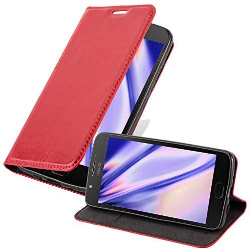Cadorabo Hülle für Motorola Moto E4 in Apfel ROT - Handyhülle mit Magnetverschluss, Standfunktion und Kartenfach - Case Cover Schutzhülle Etui Tasche Book Klapp Style