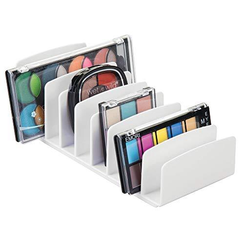 mDesign Kosmetik Organizer aus Kunststoff – Schminkaufbewahrung mit 9 Steckplätzen – Aufbewahrungsbox für den Waschtisch, Schminktisch oder Schrank – weiß
