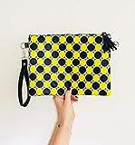 Idea de regalo: bolso de telas Africanas amarillo y negro para un efecto etnico : clutch con correa o bandolera para el hombro : regalo para ella