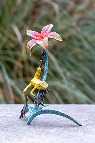 IDYL Escultura de bronce divertida rana con flor esmaltada en color, 20 x 9 x 13 cm, figura de bronce hecha a mano, decoración de jardín, artesanía de alta calidad, resistente a la intemperie