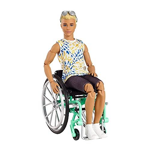 Barbie Bambola Ken Fashionistas con Sedia a Rotelle, Rampa e Vestiti alla Moda, Giocattolo per Bambini 3+Anni, GWX93