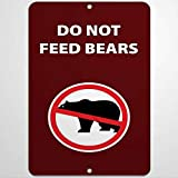 Do Not Feed Bears The Bear Retro Vintage Tin Sign,The Warning Sign for Zoo Man Cave Home Garage Garden Bar Club Hotel Wall Decor Signs 12X17 Inch
