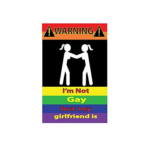 YLZH Etiqueta engomada del coche de color 10.2cmx15.7cm Divertido No soy gay, pero mi novia es la calcomanía de PVCステッカー de la etiqueta engomada del coche reflectante Logo sticker