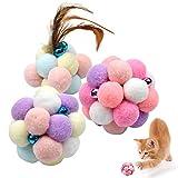 Natuce 3PCS 8.5CM Coloridos Pompones Balls Campana, Pluma Juguetes del Gato, Pelota elástica, Bolas de Peluche, Juguete Interactivo Gato, Pelotas de Juguete Blando Bolas de Pompon para Gato Gatito