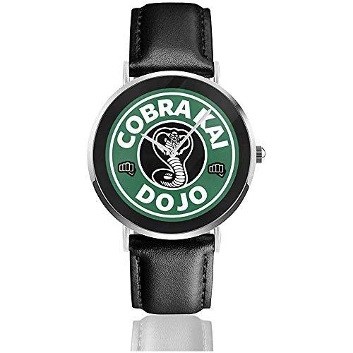 Unisex Cobra Kai Dojo Kaffee Logo Uhren Quarz Lederuhr mit schwarzem Lederband