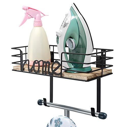 TJ.MOREE - Soporte para tabla de planchar, soporte para planchar, soporte de pared de metal con gran cesta de almacenamiento de madera y ganchos extraíbles (negro)