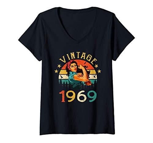 Mujer 52 Años Cumpleaños Nacido en 1969 Vintage 1969 52 Cumpleaños Camiseta Cuello V
