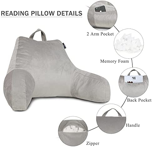 Pillow with arm _image0