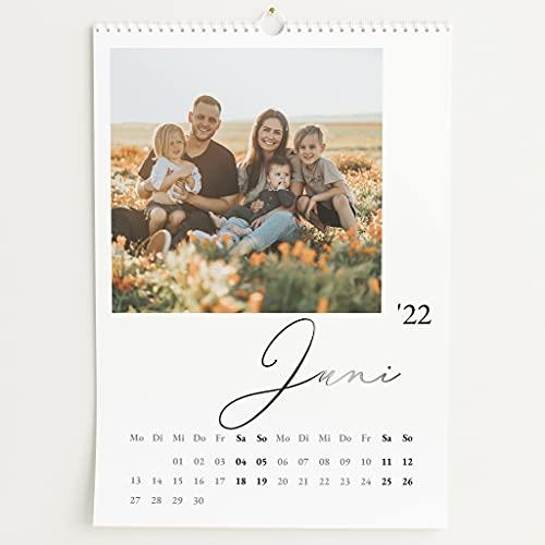 sendmoments Fotokalender 2022 mit Relieflack, Unser Jahr, Wandkalender mit persönlichen Bildern, Kalender für Digitale Fotos, Spiralbindung, DIN A3 Hochformat